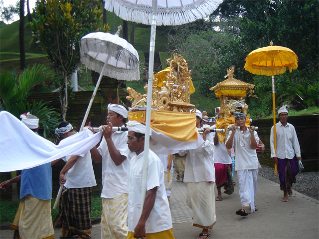 Balinese religious procession